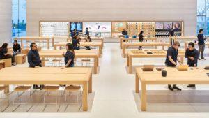 Apple Store ในสหรัฐอเมริกากลับมาเปิดอีกครั้งในรอบเกือบ 1 ปี หลังจากปิดเพราะ COVID-19